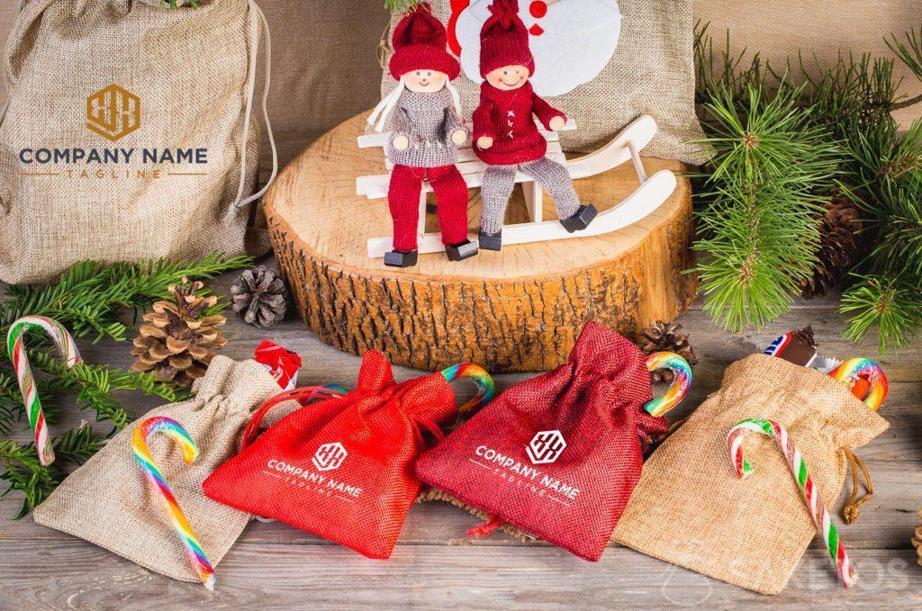 Bolsas navideñas con logo de empresa