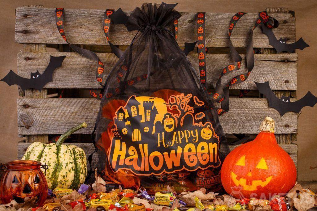 Las bolsas de organza son perfectas como decoraciones de Halloween.