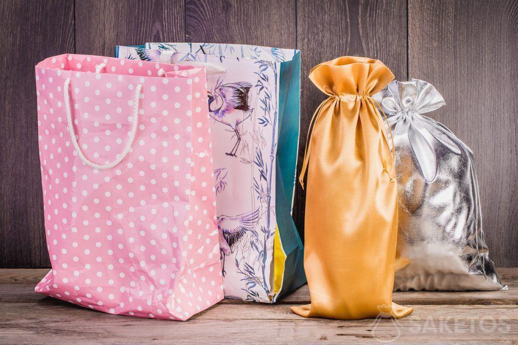 Las bolsas de material son, sin duda, más duraderas