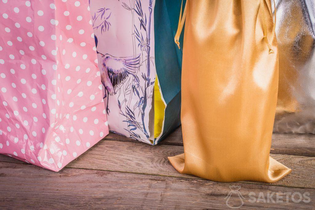 Las bolsas de material siempre se ven esbeltos y elegantes