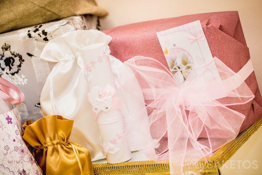 Las bolsas son perfectas para envolver regalos, por ejemplo, para bautizo