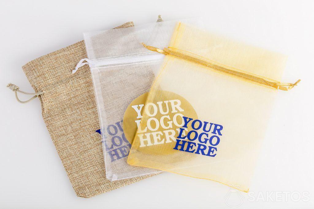 En las bolsas podemos poner cualquier impresión, por ejemplo, el logo de la empresa