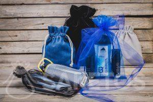 Cosméticos, artículos deportivos: regalos para hombres en elegantes bolsos de tela