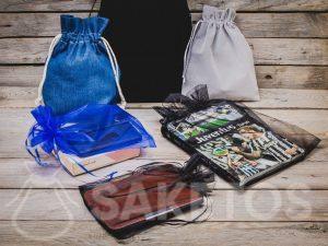 Las bolsas de mezclilla, terciopelo y organza son el embalaje perfecto para los regalos de los hombres.