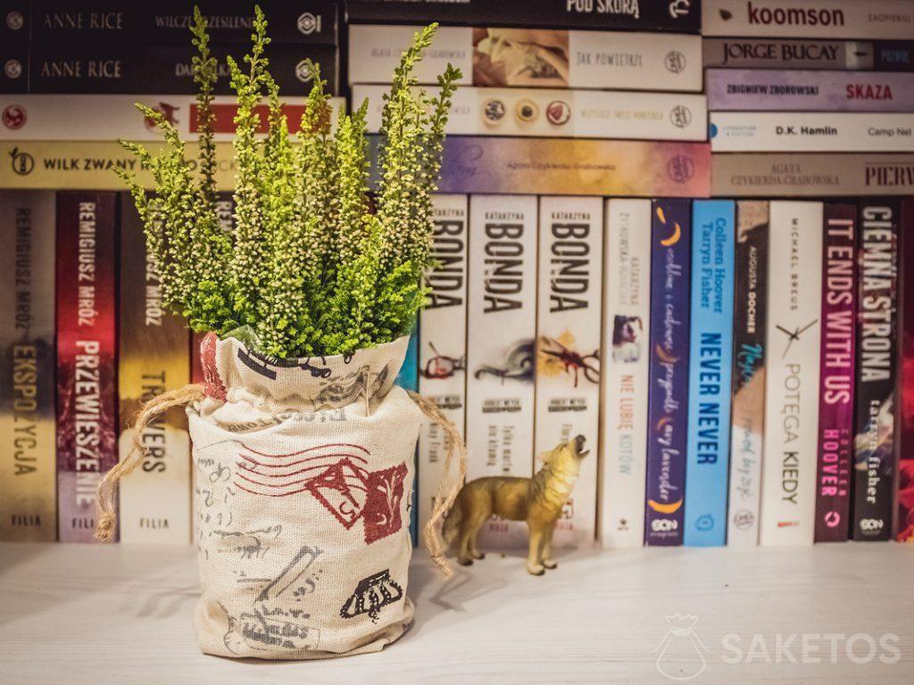 Bolsas de lino como decoración para macetas y embalajes para regalos para invitados a la boda