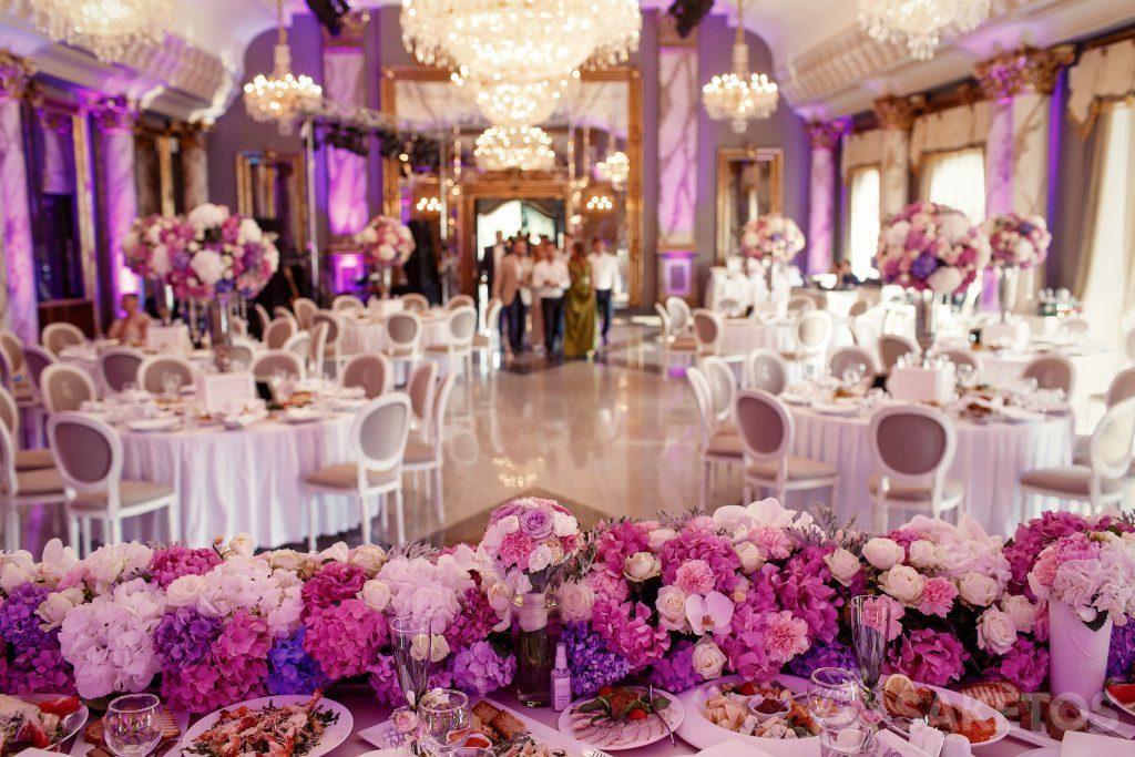 El color de la boda: ¿cómo decorar sala de boda?