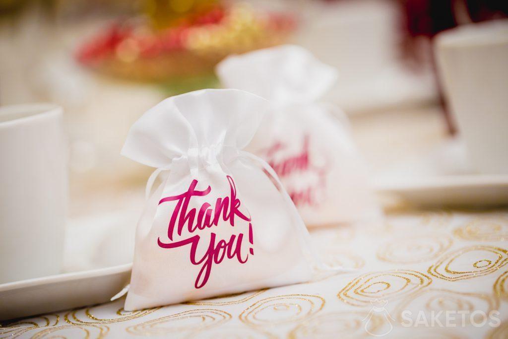 Gracias a los invitados a la boda.