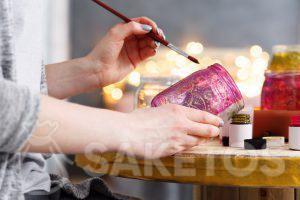 5.Decoraciones creativas para el hogar: puedes hacer algunas cosas bonitas por tu cuenta, por ejemplo, un frasco para flores o velas.