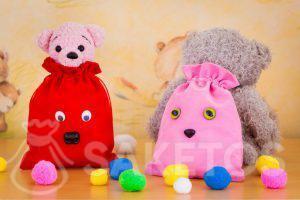 8. Regalos para niños en bonitas bolsas de terciopelo